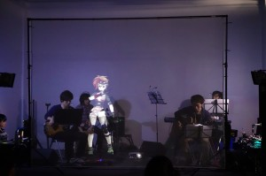 ライブの風景はこんな感じ。投影されているのが、このイベントのマスコットキャラクター、透野千夏(とうのちか)です